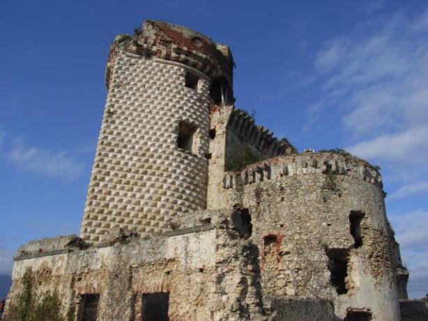 002 - Castel Gavone lato destro